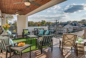 The outside deck of Music City Chic