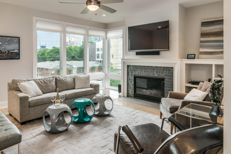 Hawkins View, a Playlist Properties rental near the Lane Motor Museum in Nashville